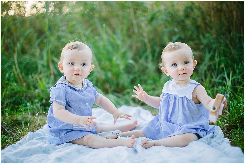 bebes jumelles en foret