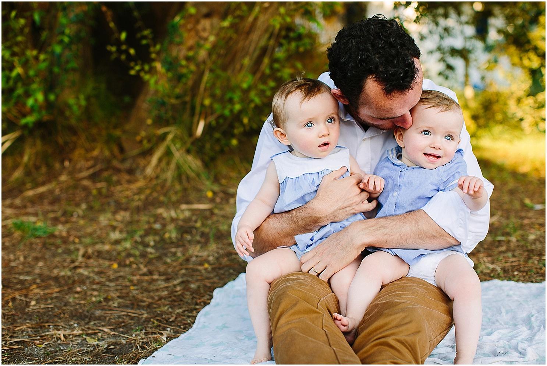 papa et ses jumelles