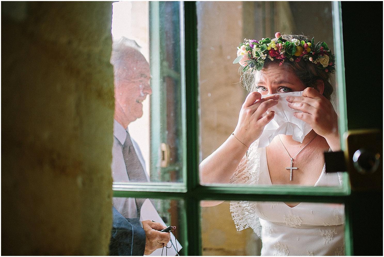 mariée très emue au chateau de mouchac