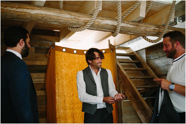 marié et témoins au coco barn