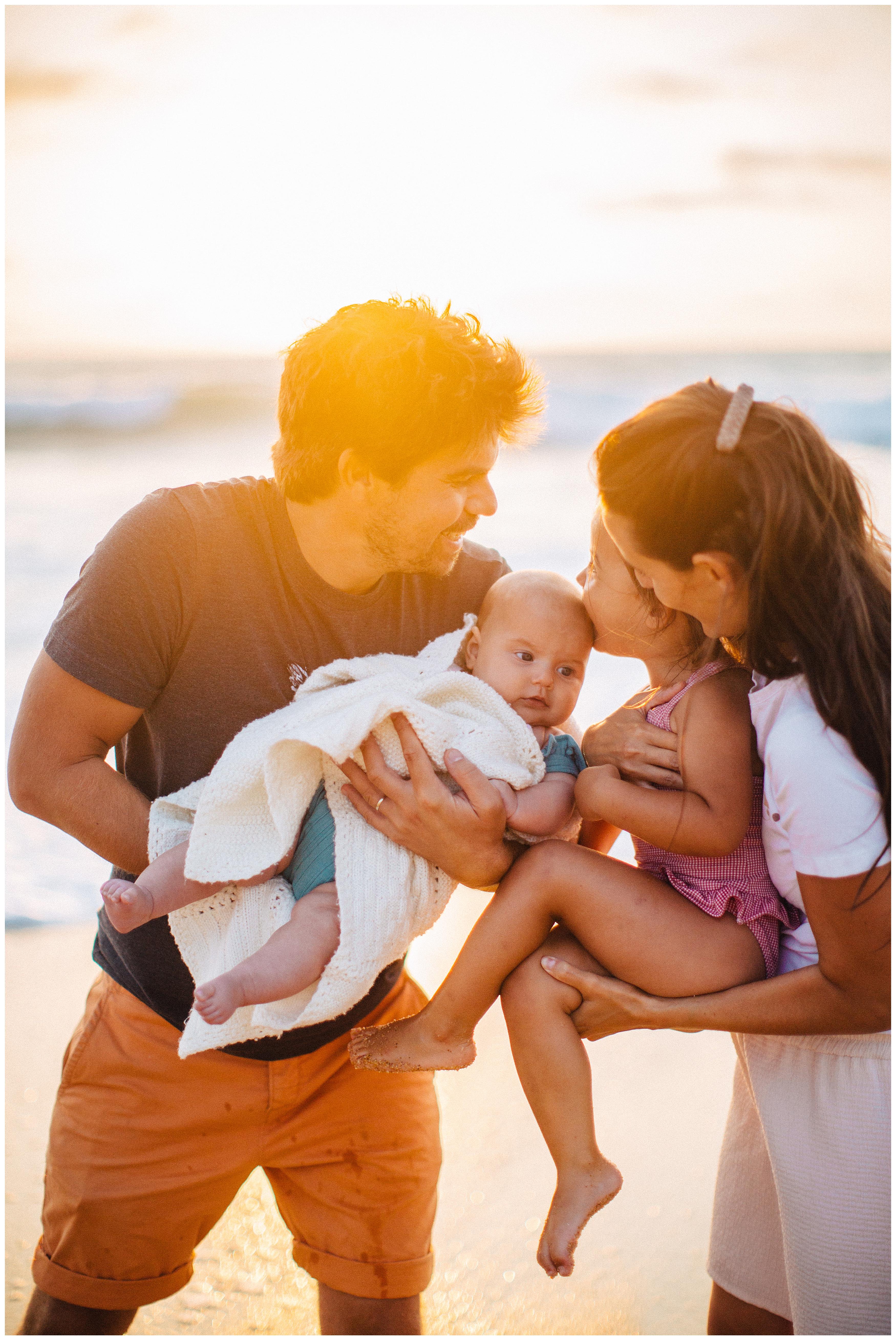 coucher de soleil et famille